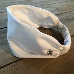 Lululemon Fringe Fighter Headband